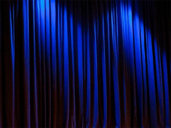 El origen medieval de la cortina